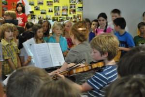 Sebastian Brosowski mit der Geige